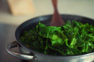 spinazie koken in gezond water