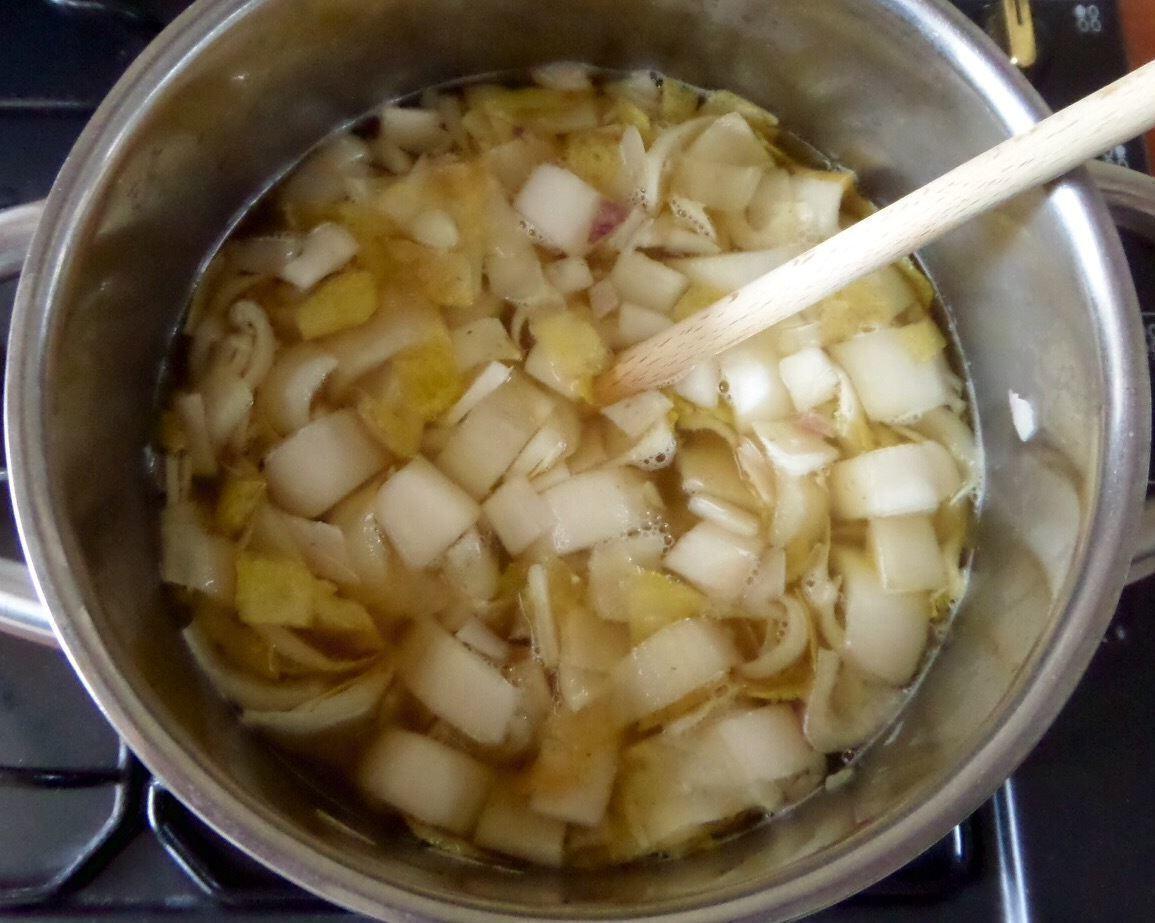 Witlof koken stukjes